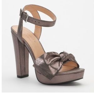LC LAUREN CONRAD Metallic Bow High Heel
